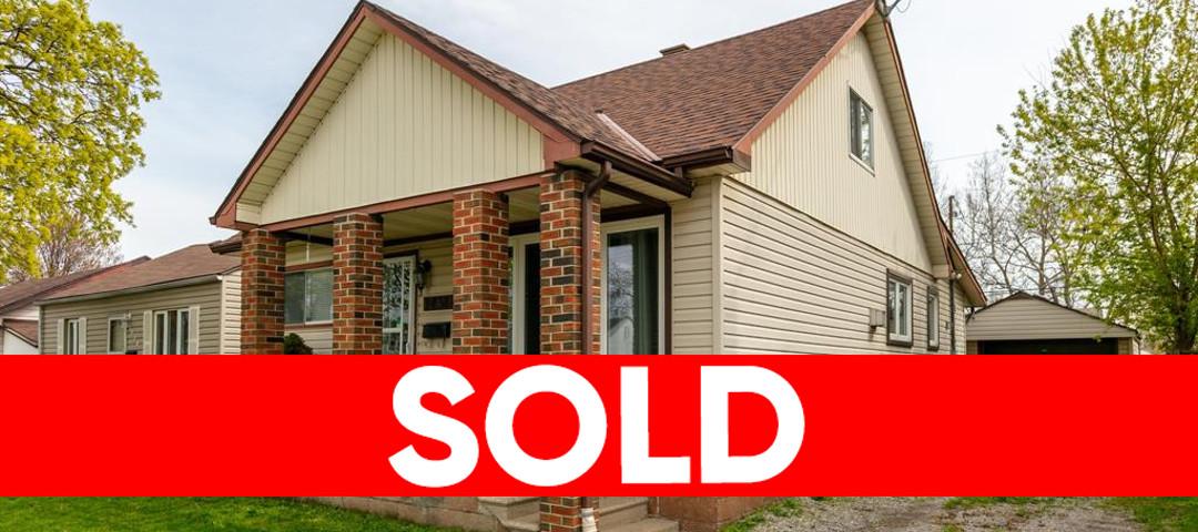 1438 Central, Windsor Home For Sale!