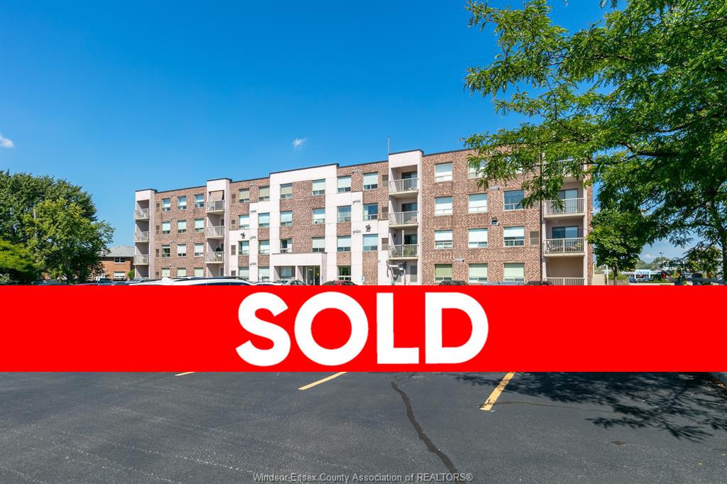 8275 WYANDOTTE STREET East #404 - Windsor Condo for Sale