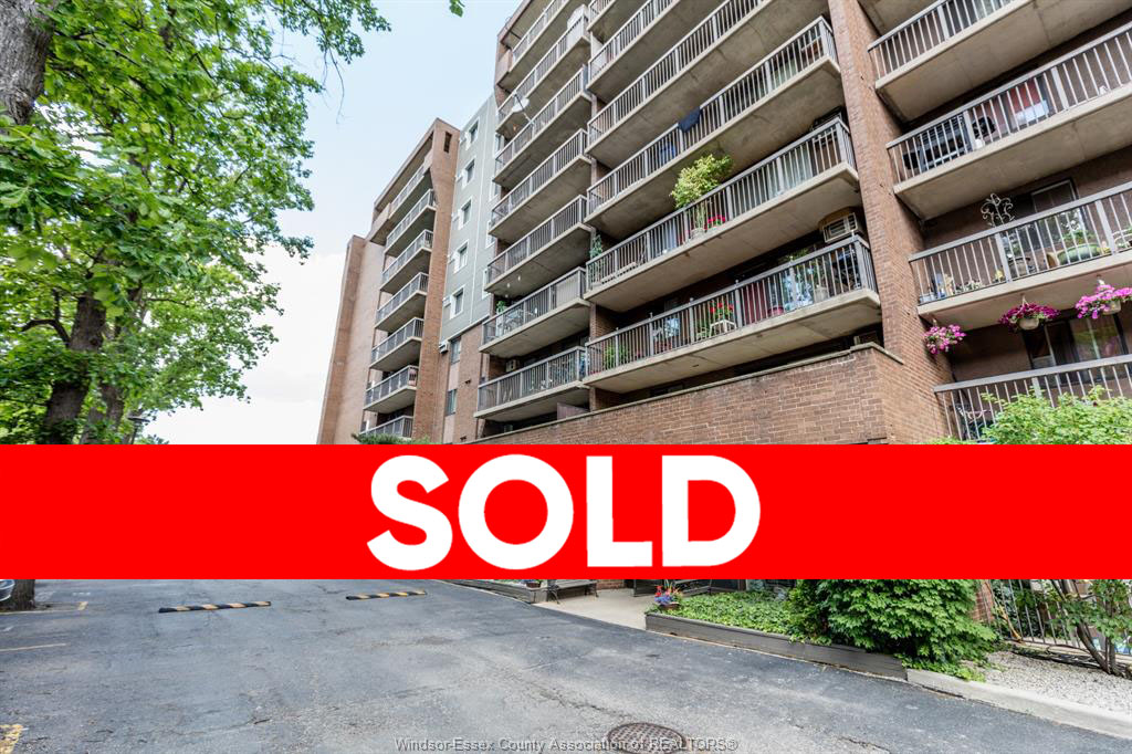 3936 WYANDOTTE #304 - Windsor Apartment for Sale
