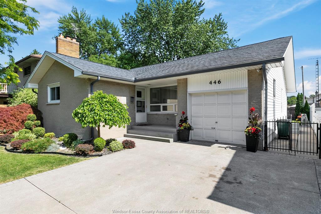 446 Carling Crescent, Windsor - Riverside Home for Sale