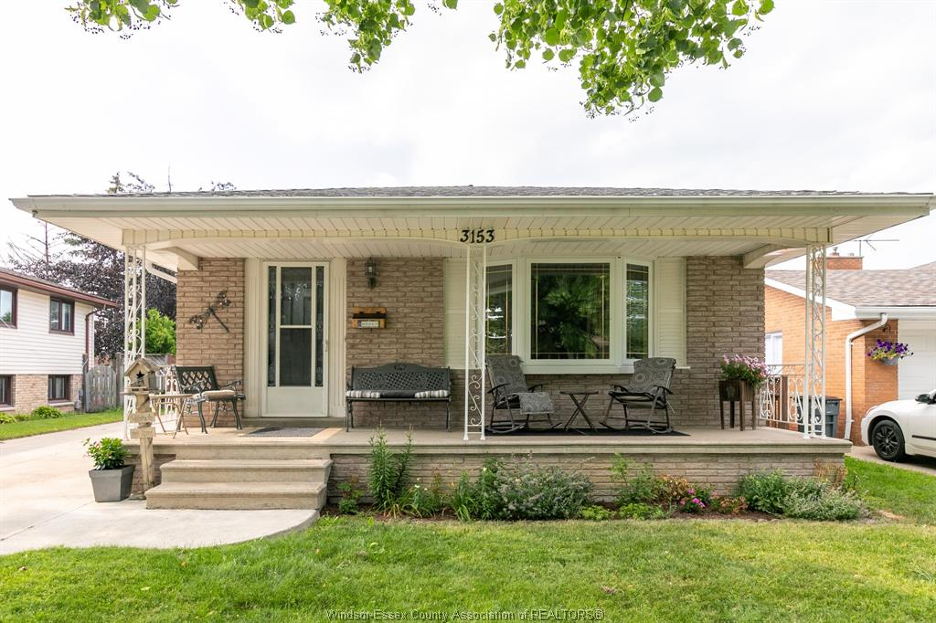 3153 Suffolk, Windsor Home For Sale!