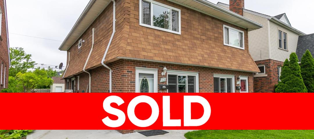 2185-87 Parkwood, Windsor Duplex For Sale!