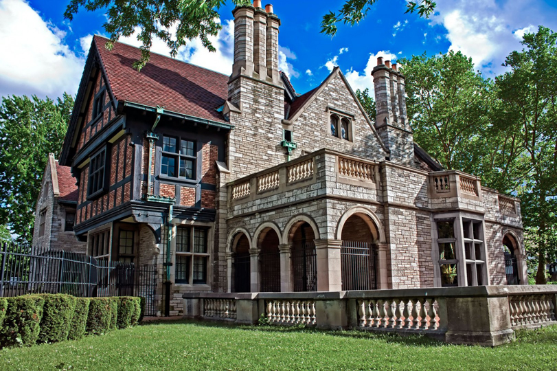 Historic Homes for Sale in Windsor and Essex County
